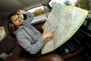 Z mapy samochodowej można się dowiedzieć wszystkiego oprócz tego jak ją złożyć.